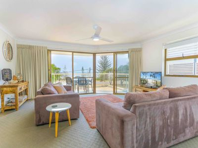 Photo for Renovated Holiday Unit With Ocean Views