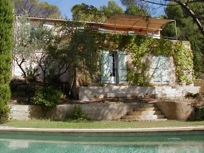 Photo for home between Cadenet and Lourmarin (Luberon), private pool, 4-6 perso