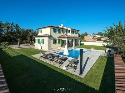 Photo for New villa with private pool just out of Porec