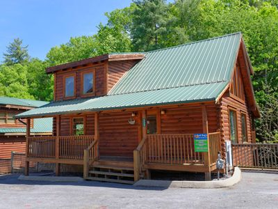 Photo for Pigeon Forge resort cabin Whispering Creek 302