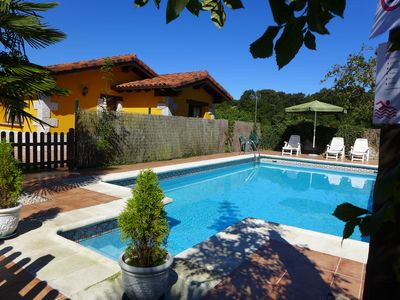 Photo for House with private garden and barbecue, pets are allowed, shared pool