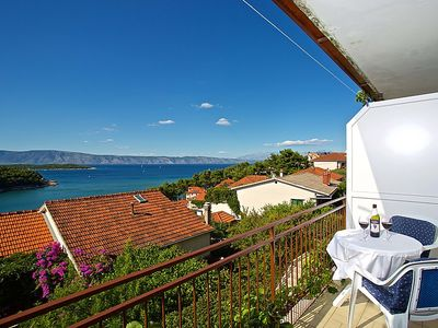 Photo for 2 bedroom Apartment, sleeps 5 in Jelsa with Air Con and WiFi