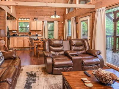 Photo for Centrally located,Private, Quiet, Wooded 2bed/queen on queen bunks loft Sleeps 8