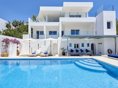 Photo for Beautiful villa with amazing sea view