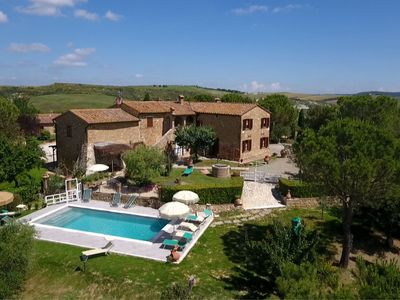 Photo for Ground floor apartment in a panoramic Agriturismo in Val d'Orcia, equipped with all comforts: satell