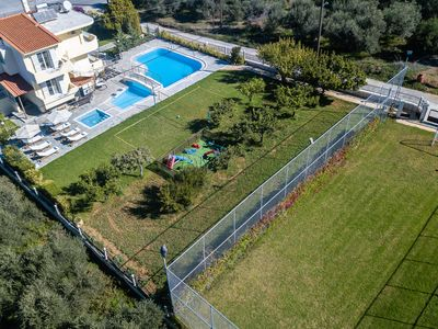 Photo for 90m2 Pool, Soccer, basketball, Gym, playground, volley, ping pong and much more