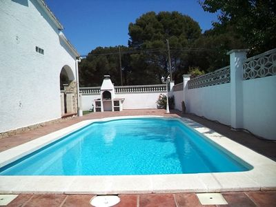 Photo for House for 6 people with private pool and garden 1 km from the beach