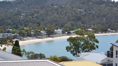 Photo for Large & Luxurious, Kingston Beach View - Tasmania