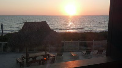 Direct Beach Front***Availability from April 25 to May 9th.  Hurry Won't Last!