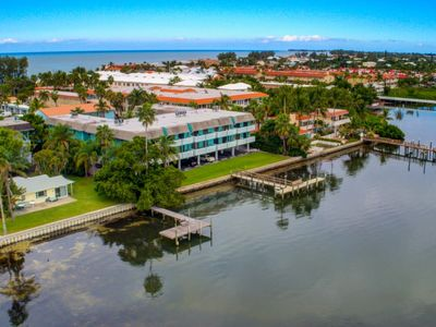 Photo for The Anna Maria Island Beach Palms 6B-Surrounded By Water-One Minute Walk To The Beach