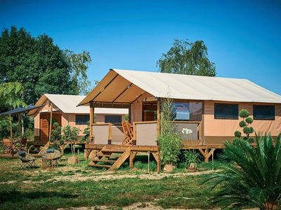 Photo for Camping Le Mas des Chênes *** - Lodge Victoria Tent 3 Rooms 5 People