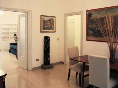 Photo for Vittorio Emanuele II  apartment in Centro Storico with WiFi, integrated air conditioning & lift.