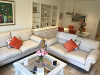 A light and comfortable apartment in the center of Vence, close to shops and restaurants.