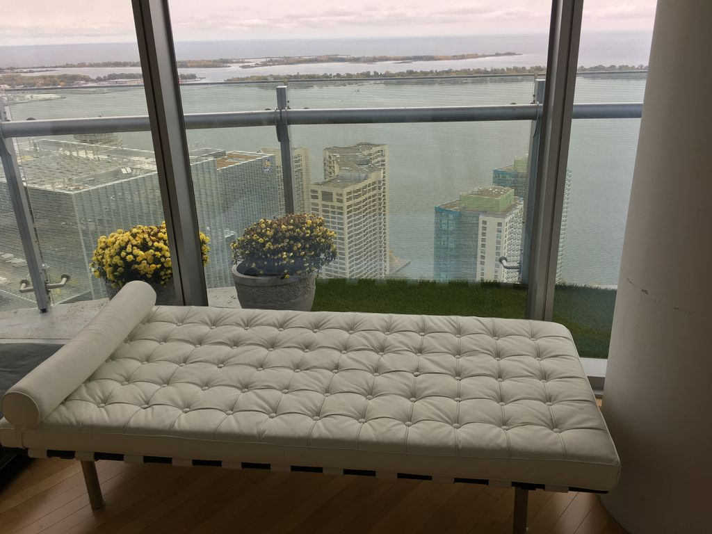 2br 56th Fr L Penthouse Toronto Downtown Core W Parking Lakeview Cn Tower Acc Toronto Best