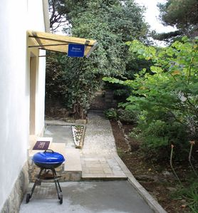 grill (house and surroundings)