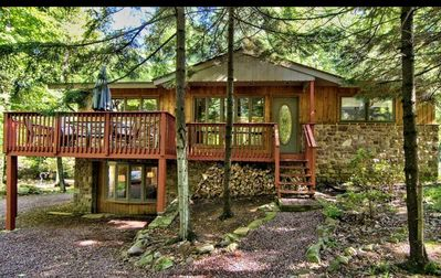 Photo for Sunny and bright split rock cottage