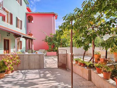 Photo for Beautiful apartment for 10 guests with pool, WIFI, A/C, TV and parking