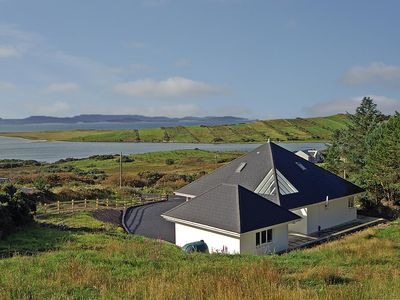 Photo for Detached 3 bedroomed house on elevated plot with magnificent views over island-studded Clew Ba…