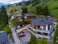 Modern, big and clean apartment in a great location - next to ski slopes. Offeri ...