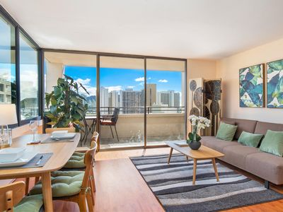 High in the Sky in Waikiki -Monthly Rental with Panoramic Views -Mountain to Sea