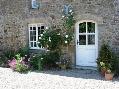 Photo for Cottage situated in quiet hamlet deep in countryside but only 4km from the sea.