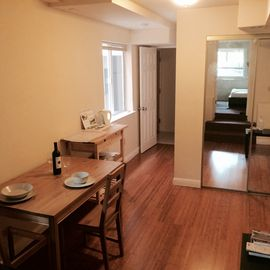 Beautiful apartment with backyard and free parking