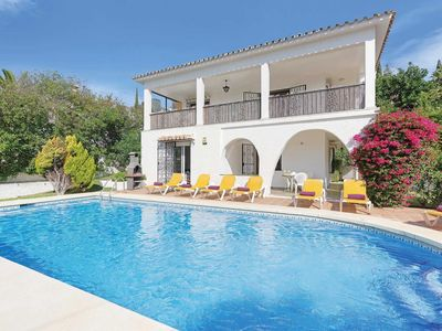 Photo for 4 bedroom Villa, sleeps 8 in Elviria with Pool, Air Con and WiFi