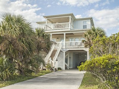 Photo for Beautifully decorated 5 bedroom Oceanview home!