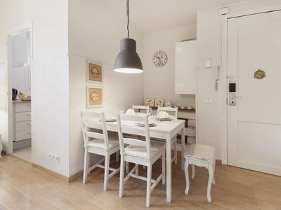 Photo for Gaudi B1 apartment in Gràcia with WiFi, air conditioning, private terrace & lift.