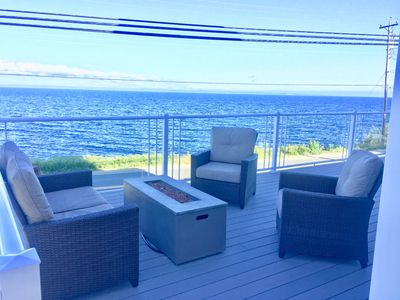Front deck seating and fire pit