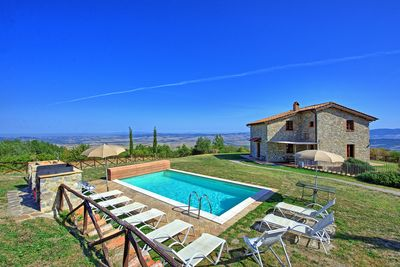 Independent villa with private pool in the wonderful Val d'Orcia