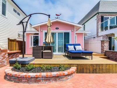 """Photo for """"Tickled Pink"""" 1 Bed 1 Bath Super Adorable Beachfront Cottage"""