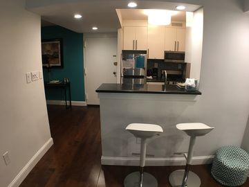 Walk To White House, Monuments, Clean, Quality, Modern APT, Best Location