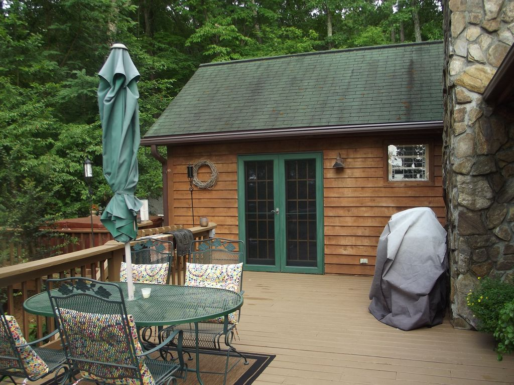 secluded lakefront cabin tub private d vrbo