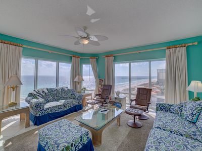 Photo for Fabulous Gulf views. Two swimming pools, hot tub, sauna and fitness center.