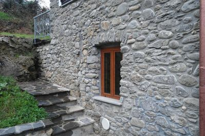 Casa Coscenti is a typical Ligurian stonehouse ...