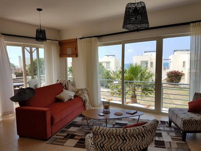 Photo for Cozy 2 bedrooms appartment with seaview terrace