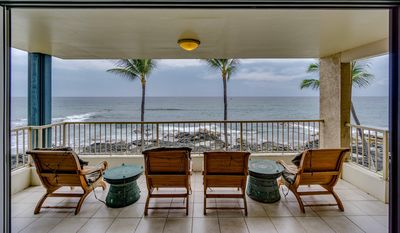 Photo for Oceanfront condo walking distance to shops wide lanai; includes WiFi- Kona Reef