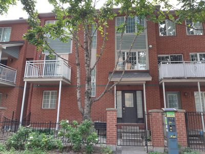 Photo for DOWNTOWN 3 BEDROOM TOWNHOUSE!