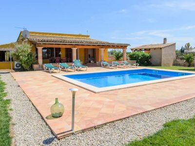 Photo for Idyllic Country House with Wi-Fi, Pool, Terrace and Garden; Parking Available