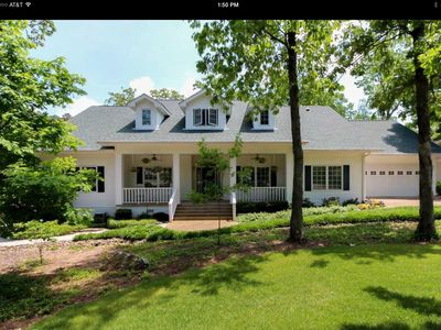 Photo for Southern Charm Home on a Beautiful Golf Course!