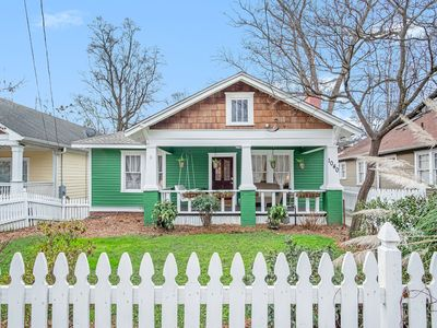 Photo for Charming 3 bed/2 bath bungalow (West Midtown)