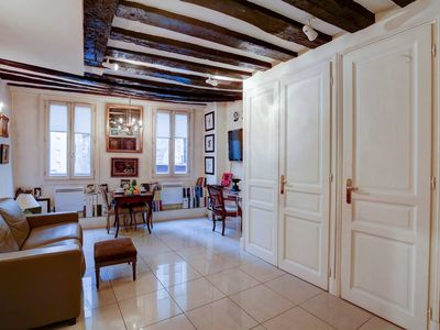Next to Le Louvre and Chatelet - Traditional 1BR in Most Central Area
