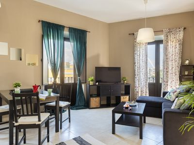 Photo for Apartment deluxe, with sights to Basílica of Macarena