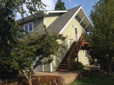 Photo for Beautiful 2 Bedroom Apartment In The Perfect Hood River Location