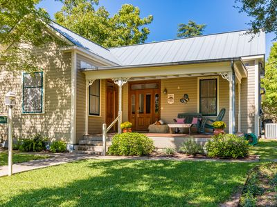 Photo for 4 Br/3 Ba Modern Farm Haus Home In The Historic District Downtown Fredericksburg