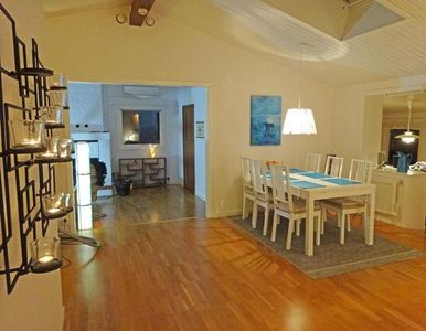 Dining room -view TV-room