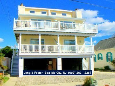 Photo for Lovely beach block 3 bedroom townhome with great ocean views. ***THIS PROPERTY IS A SUNDAY TO SUNDAY RENTAL WEEK.
