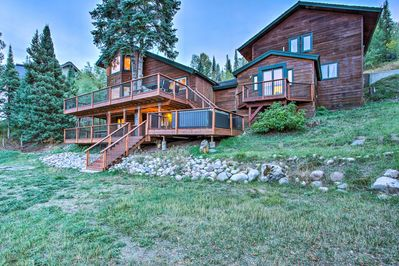 Claim this Steamboat Springs gem as your mountain getaway!
