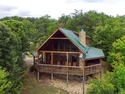 Photo for HIKER'S POINT - 2 Bedrooms, 2 Baths, Sleeps 6